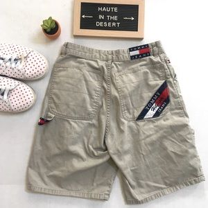 Tommy Hilfiger khakis shorts vintage 80s flag 16